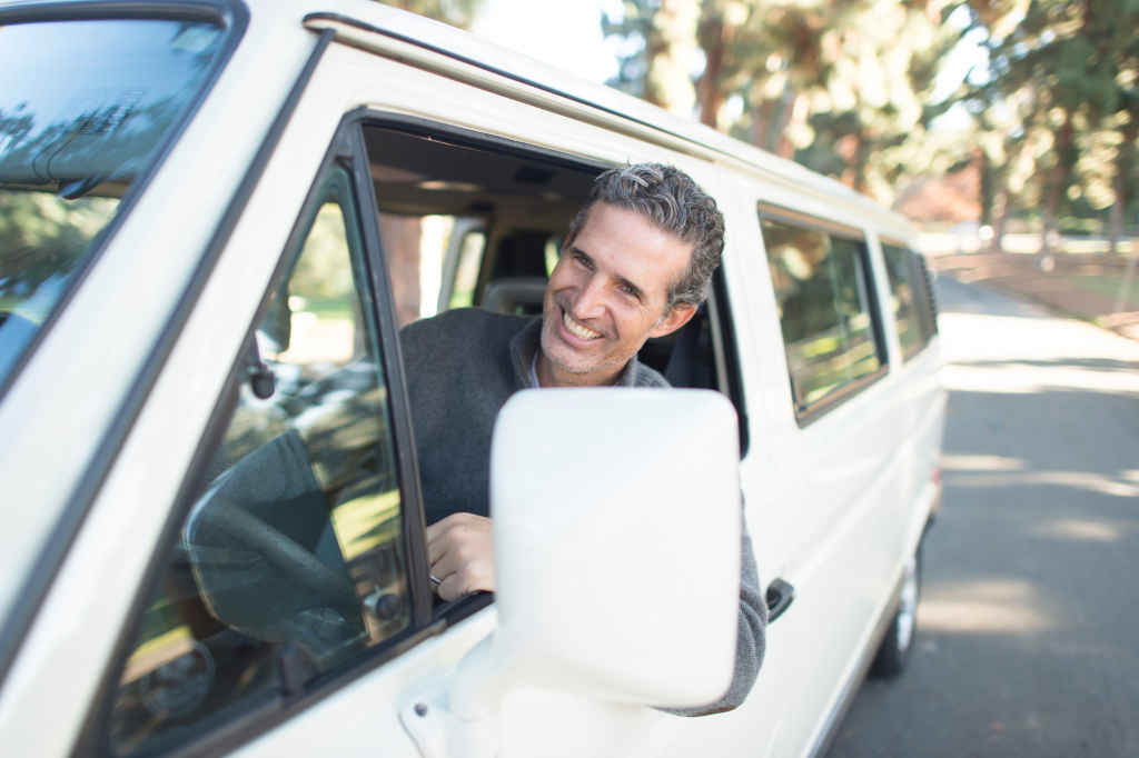lavora con noi zemove ridez taxi ncc
